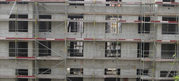 "alt=""Coaching München Stuttgart - Dr. Berle. Foto eines düsteren Beton-Baus""."